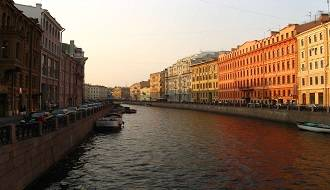 Russia-St-Petersburg-canal-brightly-coloured-building-facades-highres-1-CKB1
