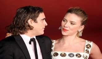 joaquin-phoenix-and-scarlett-johansson-at-event-of-her-(2013)-large-picture
