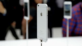 сайтiPhone-6-iPhone-6-plus-first-look-2