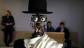 scientists-made-a-robot-art-critic-that-is-able-to-form-its-own-opinions